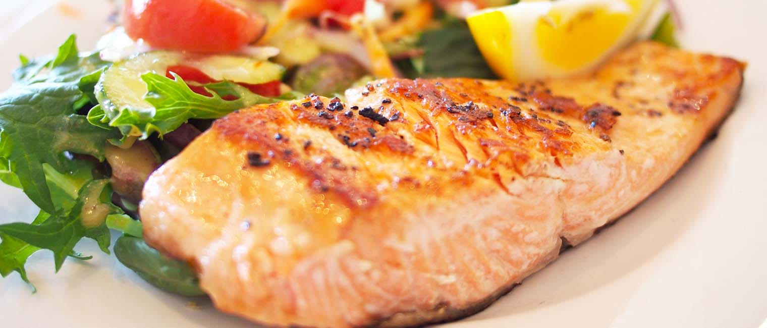 salmon fish is rich in omega oil