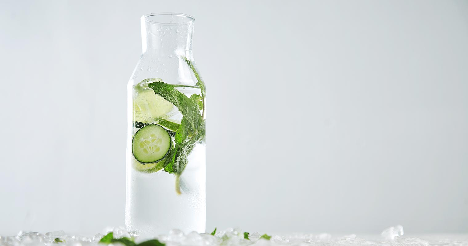water with lime, cucumber and mint