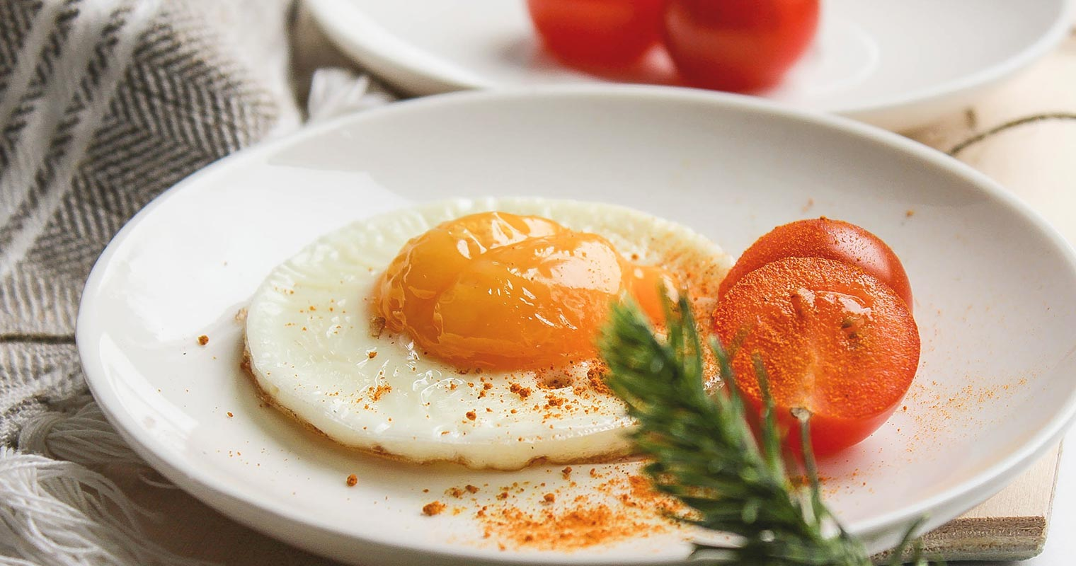 Consuming eggs and tomatoes are actually helping your skin have anti-aging effects!