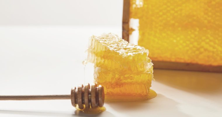Benefits of using honey for skin and health